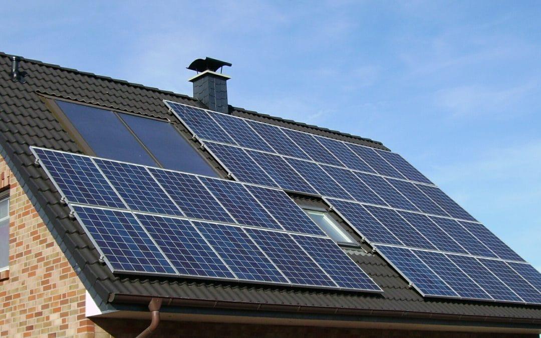 """alt=""""solar panel array"""""""