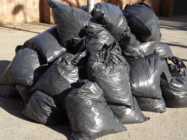 Six Greener Alternatives to Plastic Trash Bags P